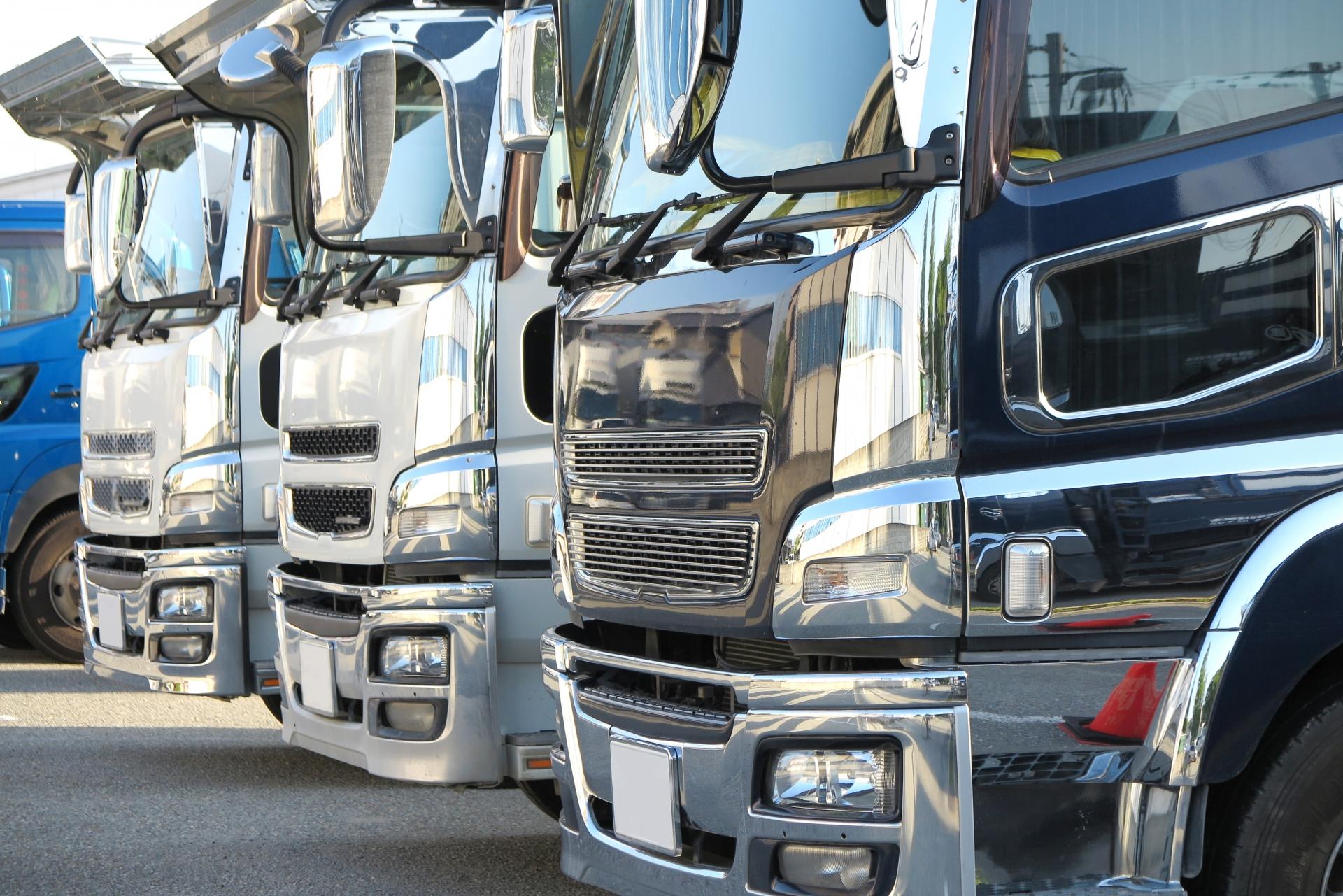 増トン・増トン車・増トントラックの種類と運転に必要な資格・免許_アイキャッチ