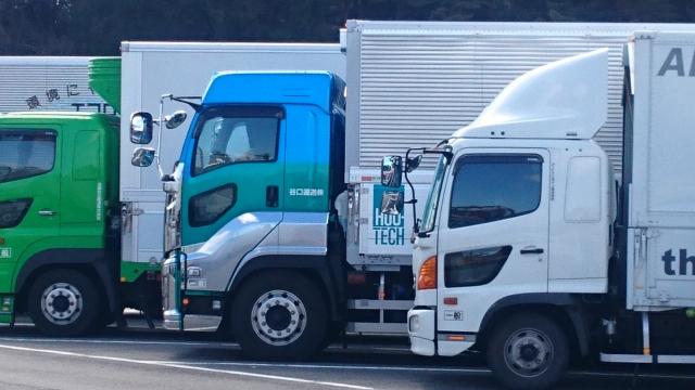 4t(中型)、8t(増トン)、10t(大型)トラックに必要な免許_アイキャッチ