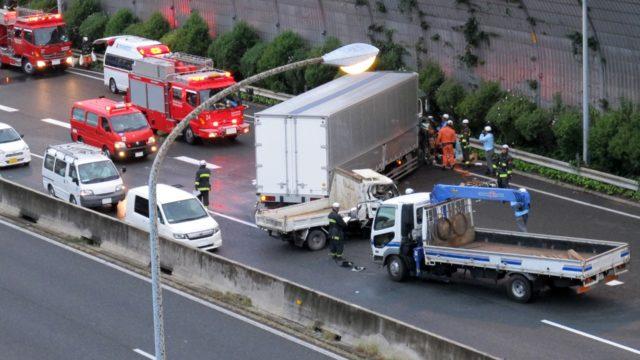 トラックの運転中に事故を起こしてしまったときはどうすればいい?_アイキャッチ