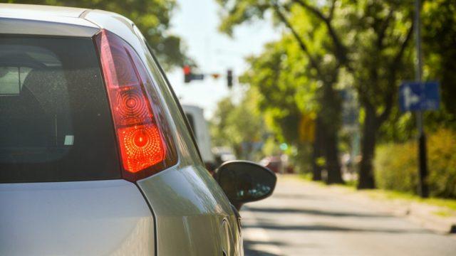 タクシードライバーは車通勤可能?転職や求人情報を見るときは要チェック!_アイキャッチ