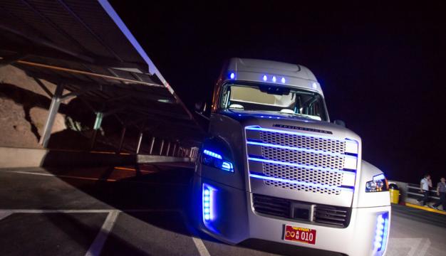 自動運転による物流業界におけるトラックドライバー不足の解決_アイキャッチ