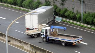 トラックドライバーの事故率と事故予防・対策について教えて!_アイキャッチ