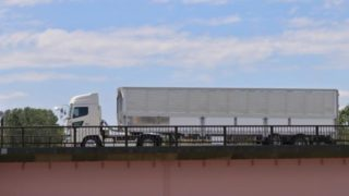大型トラックの燃費向上の方法まるわかり!