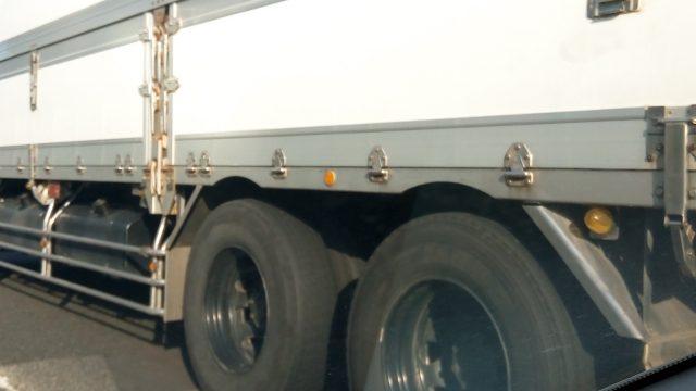 大型トラック(10tトラック)のサイズ/荷台寸法/幅/長さ/高さ/大きさがまるわかり!
