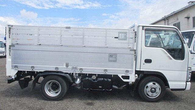 トラックの荷台名称とトラックボディの部位やパーツの名称がまるわかり