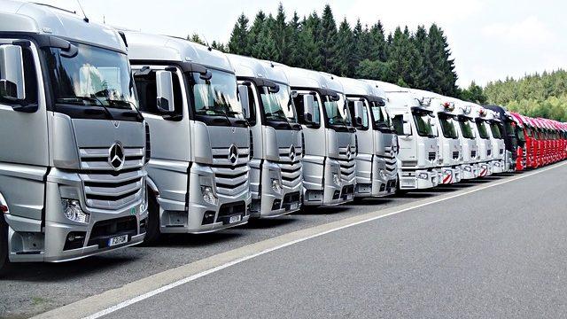 4トントラックの積載量(最大積載量)/m3を車両総重量とあわせて解説!