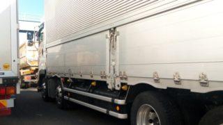 大型トラック(10tトラック)のサイズ/荷台寸法/幅/長さ/高さ/大きさがまるわかり
